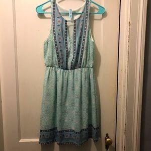Francesca's Collections Dresses - Patterned Keyhole dress